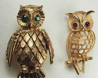 Two cute vintage owl pins bird brooches
