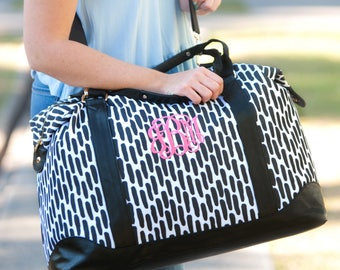 Monogrammed Weekender Bag, Duffle Bag, Overnight bag, Monogrammed Gifts, Bridal Shower, Bridesmaid, Honeymoon, Weekend Bag