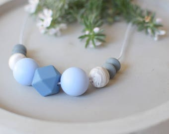 Baby chewing necklace jeans blue, baby shower gift teething necklace, silicone teething necklace, baby nursing necklace, beaded necklace