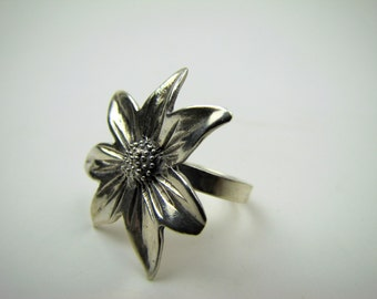 Vintage Sterling Silver Sunflower Ring. Giant Daisy Ring. Over Sized Knuckle Length Statement Flower Ring. Size 9.5 Gifts For Her