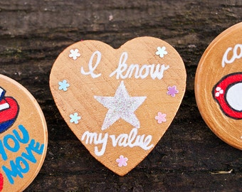 """Marvel Agent Peggy Carter """"I Know My Value"""" Feminist Quote - Captain America Custom Hand Painted Wooden Pin - Heart Pin Badge Button Gift"""