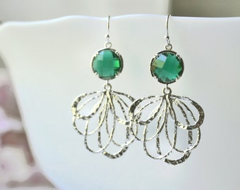 Green Dangle Earrings, Green Drop Earrings, leaf dangle earrings, bridesmaid earrings, leaf drop earrings, Feather Earrings wedding jewelry