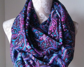Women's Paisley Infinity scarf, Women's scarves, Floral scarves, Colorful scarf, eternity scarf, Printed scarf, gift for her