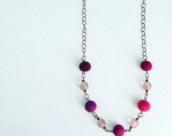 Newport Felt Necklace in Berry