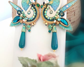 Soutache earrings, handmade cabochons, white and green earrings, with embroidery, with pearls, drop in green agate, long, pendants, art deco