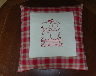 Sunbonnet, pillow cover in redwork Valentine, red and ecru fabric