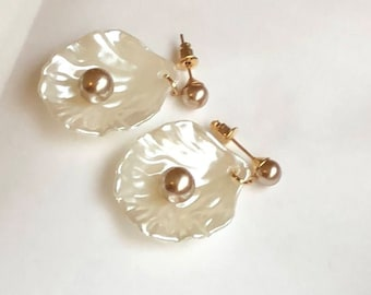 Earrings Pearl effect with Pearl mineral stone