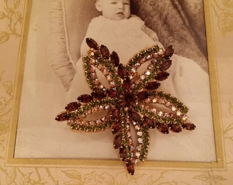 Beautiful Vintage Glass Stone Brooch Star Design - Costume Jewelry