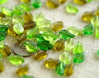 100pcs Mixed Green Acrylic Leaves Beads Translucent With Hole 8mm rp175