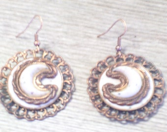 Vintage Copper Thermoset Ornate Medallion Pierced Dangle Earrings