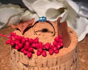 14 k white gold ring Swiss Blue Topaz