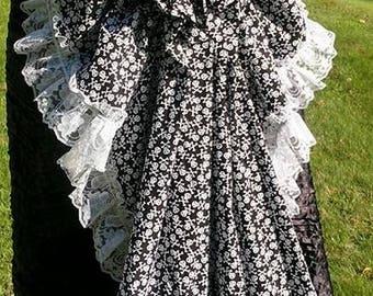 Black & White Skull Cotton Adjustable Tie On Cindy Bustle skirt white lace Victorian Steampunk Renaissance Cosplay Costume Halloween Pirate