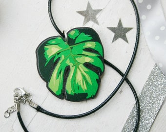 Monstera Leaf Necklace - Tropical Leaf - Cheese Plant Leaf Necklace - Green Botanical Jewellery - Wooden Pendant Jewelry - Mothers Day Gifts