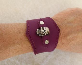 Skull bracelet. skull bracelet. leather strap. Gothic bracelet;