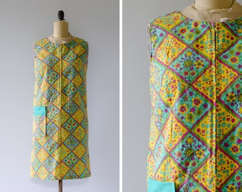 Vintage 1960s Cotton Shift Dress // Made in Canada - Size M
