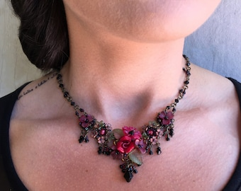 TANGO NECKLACE Handbeaded Vintage Inspired Red and Black Necklace by artist and designer Colleen Toland