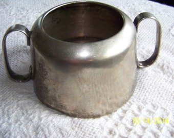 Vintage Ormonde silver plated cup with handles - Old
