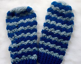 Blue Waves Adult Mittens