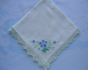 Sweet lacy hanky hankie handkerchief hand embroidery flowers