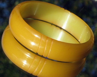 Bakelite Bracelet Vintage Carved Bangle Estate Jewelry Early Century Chunky Chartreuse Art Deco Catalin Modernist Olive Translucent Antique