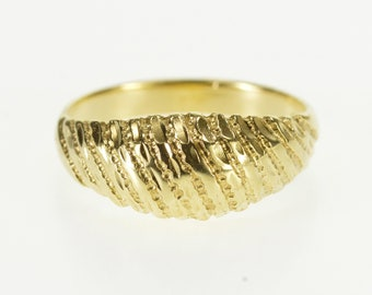 14k Grooved Textured Domed Graduated Band Ring Gold