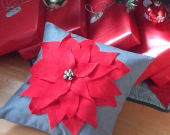 Poinsettia pillow. Christmas throw pillow. Decorative holiday pillow cover. Handmade holiday decor. Christmas decoration. Gift item.