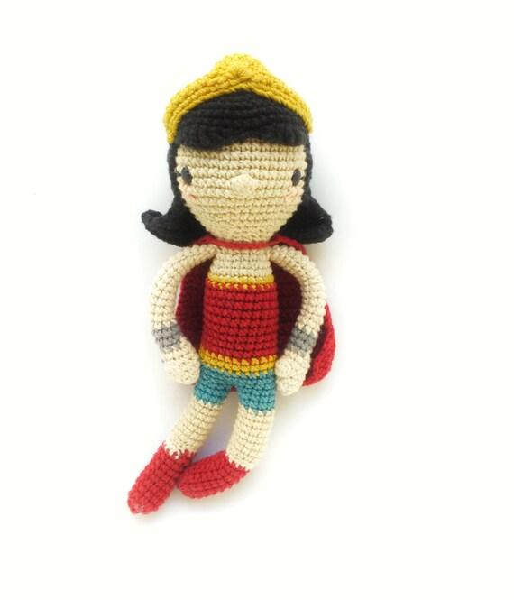 Wonder woman-Crochet pattern/amigurumi