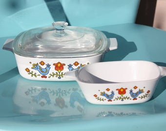 1975-1977 Corningware Corning Country Festival A-1-B,  1 Quart / Liter Covered Casserole with Lid P-7-C and P-41-B 1 3/4 cup Petite