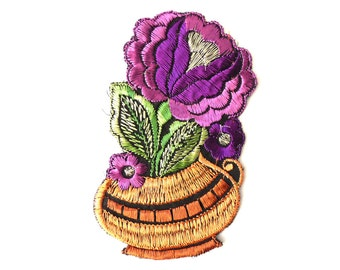 Authentic Collectible Flower Applique, flower basket applique, 1930s embroidered applique. Vintage floral patch, sewing supply. #643GB7K2