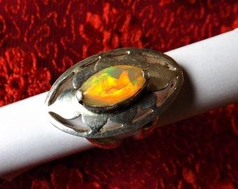 Silver 925 welo opal ring, Ethiopian opal all fire, lotus ring Opal