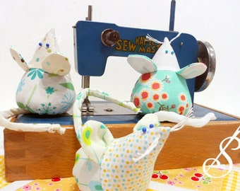 Tilly: A Mouse Pincushion Pattern