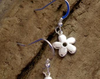 Silver Daisy Earrings, Handmade, Sterling Silver, Silver Flower Earrings, Flower Jewellery, 925 Silver, Drop Earrings, Valentine Gift