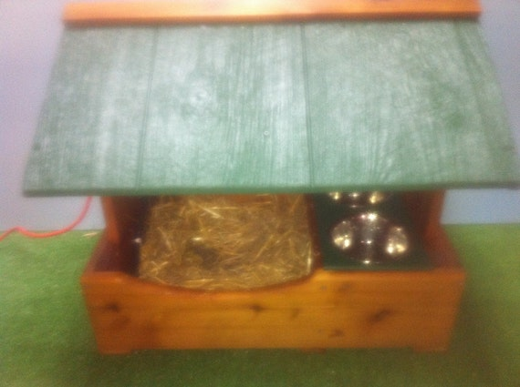 Deluxe Feral Cat Sanctuary with Feeding Station, Heated Cat Outdoor House, Bed, shelter