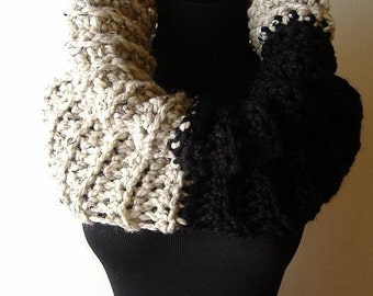 Adam and Eve Cowl Warmer in Chunky Oatmeal Beige Black Onyx