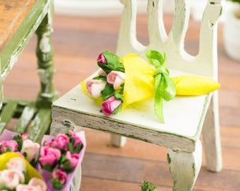 Miniature Spring Mini Rose Bouquet - 1:12 Dollhouse Miniature