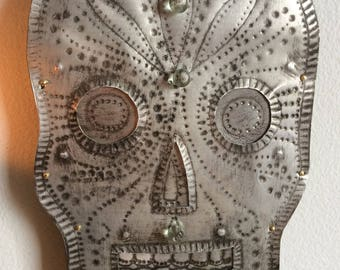Silver-coloured Day of the Dead Skull,