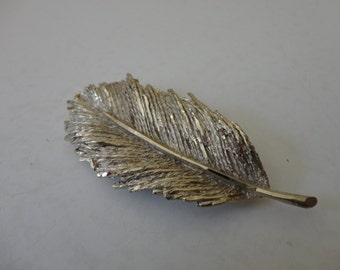 VINTAGE silver tone FEATHER BROOCH