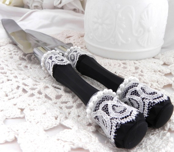 Wedding Cake Server And Knife Set, Black with White Lace with Pearls, Bridal Shower Gift, Wedding Gift