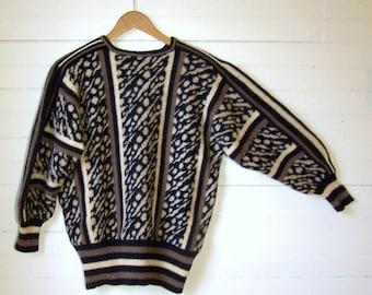SCOTTISH DESIGNER SWEATER - Animal Print & Striped Pullover - Pure New Shetland Wool - Size Medium