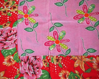 Floral Chita Tablecloth in Pink and Red