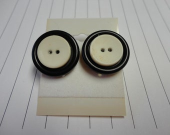 Stacked Button Earrings White and Black