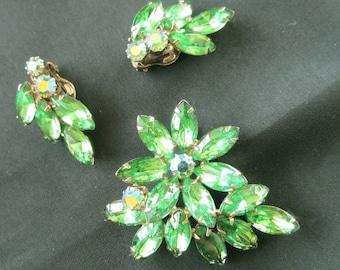 Vintage green rhinestone brooch and earring set