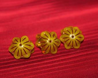 bell 14x5mm caps yellow opal / shiny / old patina (6pcs)