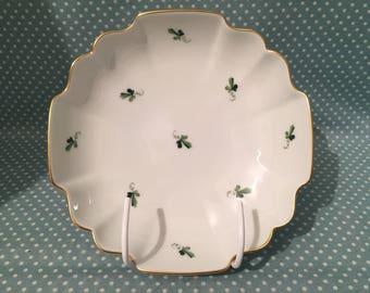 Vintage 6490 Wien Augarten Vienna Austria porcelain Scattered Wine Leaves pin/nut dish. - FREE UK POST -