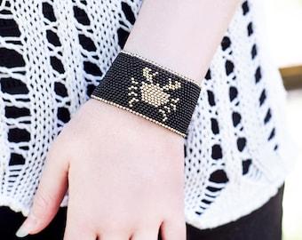Zodiac Cancer Woman Gift for Girlfriend Gift Idea Birthday Gift for Woman Bracelet Zodiac Jewelry Cancer Jewelry Gift July Gifts Cancer Gift