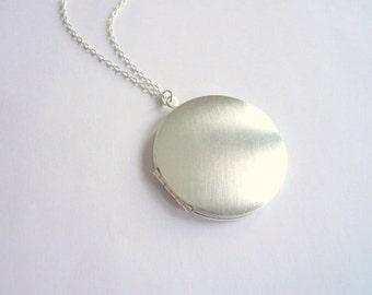 Medium silver locket necklace Medium locket Sterling necklace chain Custom length Plain locket Personalized locket Photo locket Charm locket