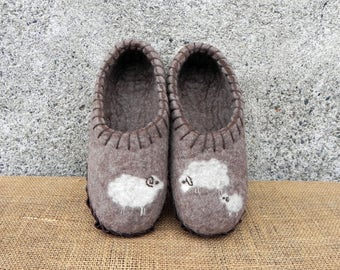 Natural brown felted sheep slippers, sole slippers, natural wool slippers, wet felted shoes, wool clogs, house slippers, animal felt slipper