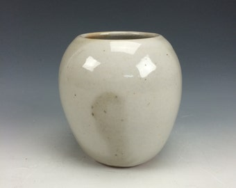 Pearl Shino White & Grey Speckled Small Ceramic Vase, Modern Home Decor, Unique Clay Bud Vessel, Centerpiece, Unique Pen Holder, Miniature
