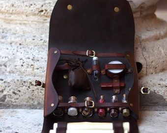 Handmade Leather Alchemist / Herbalist Kit for LARP - Fantasy - Middleage / Leather Fanny Pack