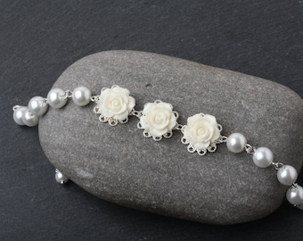 White Rose Bracelet, Bridal Bracelet, Bridesmaid Bracelet, Rustic Wedding Bracelet, White Pearl Bracelet, Garden Wedding Jewelry